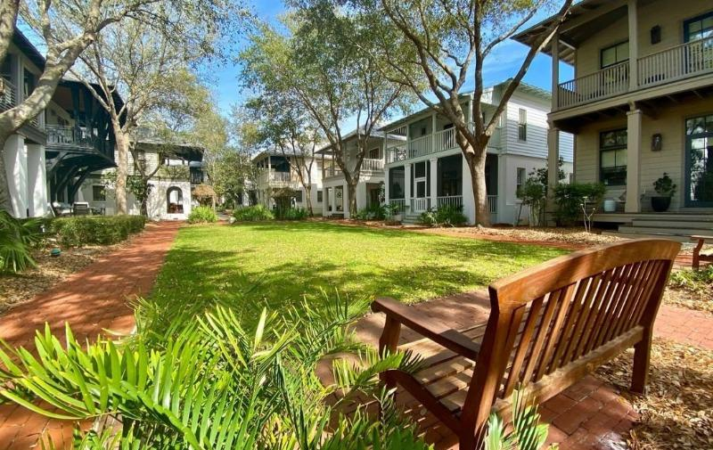 Lots of Green Space in Rosemary Beach
